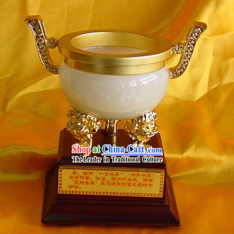 Chinese Classic Collection-Gathering Treasures Golden Vessel
