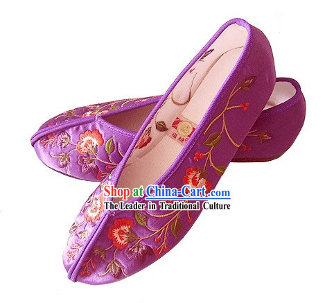 Chinese Traditional Handmade Embroidered Satin Shoes _flower_