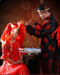 Supreme Chinese Traditional Wedding Clothing 2 Complete Sets for Bride and Bridegroom