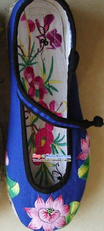 Chinese Traditional Hand Made Embroidery Lotus Shoes