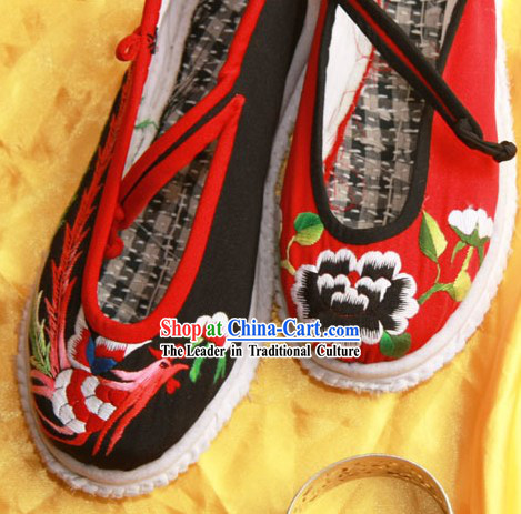 Chinese Traditional Embroidery Phoenix Shoes