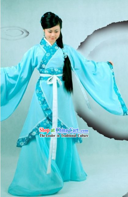 Traditional Light Blue Hanfu Outfit for Beauty