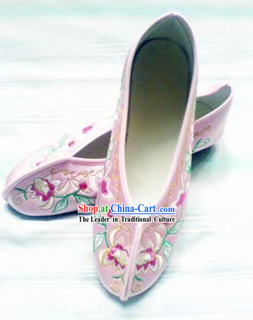 Chinese Pink Lotus Embroidery Shoes for Women