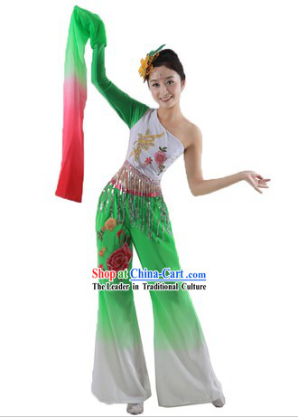 Long Sleeve Classic Chinese Spring Festival Dance Costumes for Women