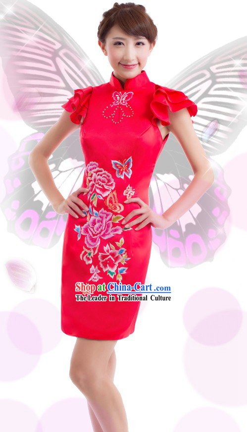 Traditional Chinese Butterfly and Flower Wedding Qipao for Women
