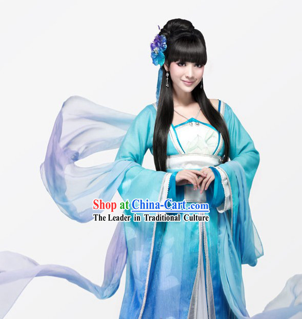 Ancient Chinese Light Blue Swordswoman Costumes