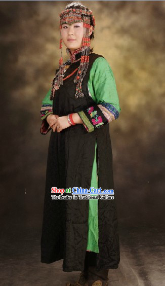 Chinese Mongolian Traditional Clothes for Women