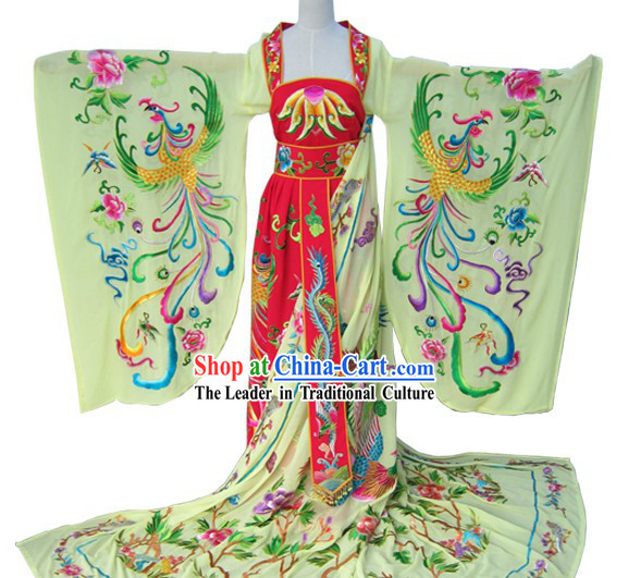 Traditional Chinese Embroidered Phoenix Long Trail Wedding Dress for Bride