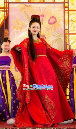 Traditional Chinese Red Wedding Dress and Hair Accessories