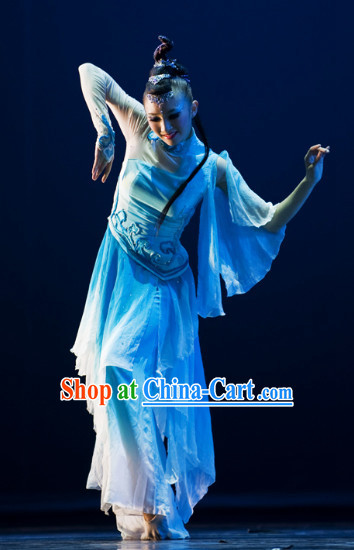 Chinese Classical Dance Costumes and Hair Accessories Complete Set