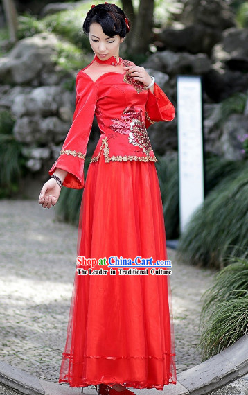Chinese Bride Red Wedding Outfit
