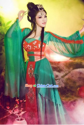Tang Dynasty Lady Clothing and Hair Accessories Complete Set
