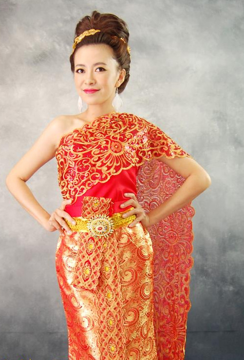 Traditional Thai Clothing for Women