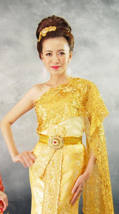 Traditional Thai Clothing for Ladies