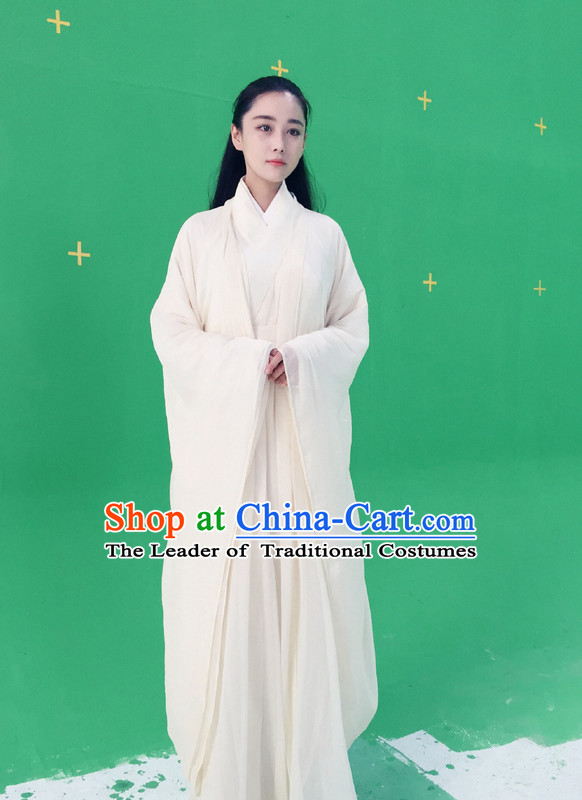 Ancient Pure White Hanfu Outfit for Girls.