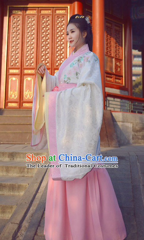 Ancient Chinese Ming Dynasty Beauty Embroidered Garment and Hair Jewelry Complete Set for Women