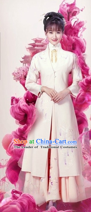 Ancient Chinese Royal Highness Ming Dynasty Noblewoman Clothing and Hair Accessories Complete Set for Women