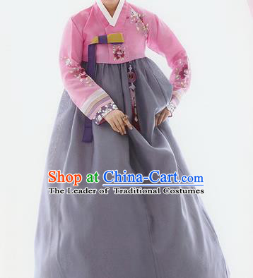 Traditional Korean Costumes Palace Lady Formal Attire Ceremonial Pink Blouse and Grey Dress, Asian Korea Hanbok Bride Embroidered Clothing for Women