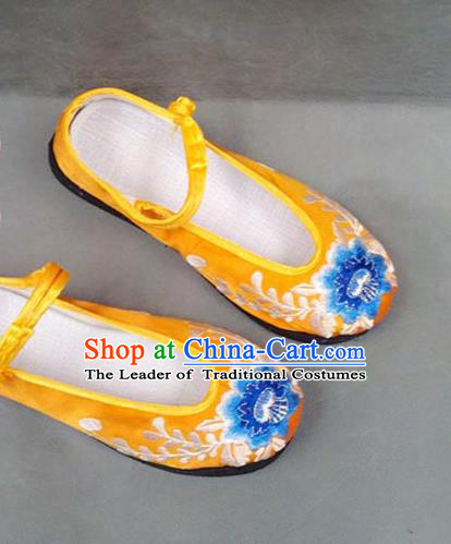 Asian Chinese National Wedding Yellow Embroidered Shoes, Traditional China Handmade Shoes Hanfu Embroidery Peony Shoes for Women