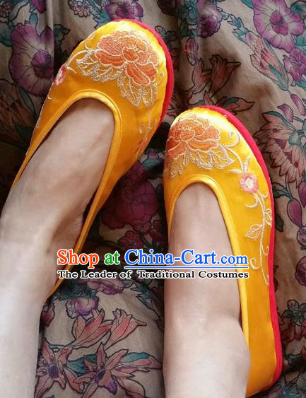 Asian Chinese National Embroidery Peony Wedding Yellow Shoes Handmade Embroidered Shoes, Traditional China Princess Shoes Hanfu Shoe for Women