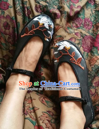 Traditional Chinese National Embroidered Shoes Handmade Black Shoes, China Hanfu Embroidery Flowers Shoes for Women