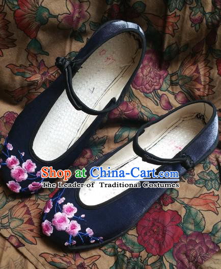 Traditional Chinese National Embroidered Shoes Handmade Navy Satin Shoes, China Hanfu Embroidery Wintersweet Shoes for Women