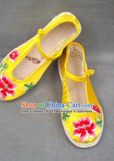 Traditional Chinese National Embroidered Shoes Handmade Yellow Satin Shoes, China Hanfu Embroidery Lotus Flowers Wedding Shoes for Women