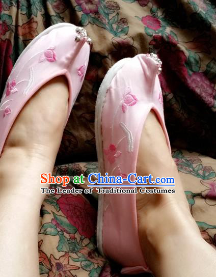 Traditional Chinese National Embroidered Shoes Handmade Pink Satin Shoes, China Hanfu Embroidery Flowers Wedding Shoes for Women