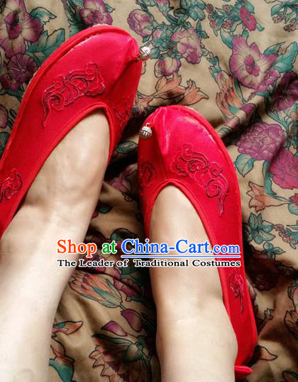 Traditional Chinese National Embroidered Shoes Handmade Red Satin Shoes, China Hanfu Embroidery Flowers Wedding Shoes for Women