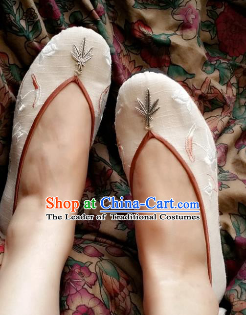 Traditional Chinese National Embroidered Shoes Handmade White Linen Shoes, China Hanfu Embroidery Flowers Wedding Shoes for Women