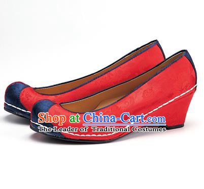 Traditional Korean National Wedding Embroidered Shoes, Asian Korean Hanbok Bride Embroidery Red Satin Shoes for Women