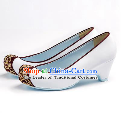 Traditional Korean National Wedding White Embroidered Shoes, Asian Korean Hanbok Bride Embroidery Satin Shoes for Women