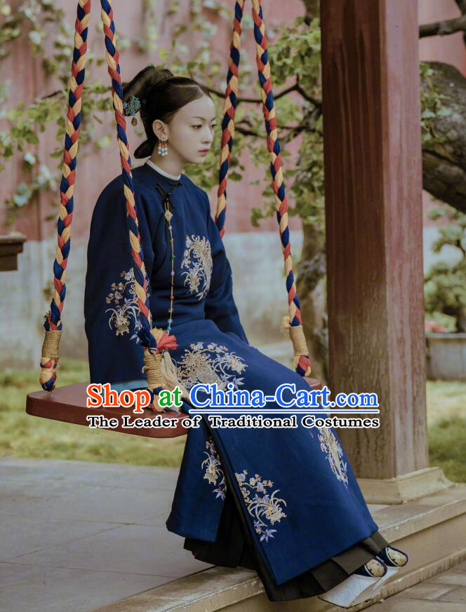 Traditional Chinese Qing Dynasty Imperial Consort Costume, Asian China Ancient Manchu Imperial Concubine Embroidered Clothing for Women