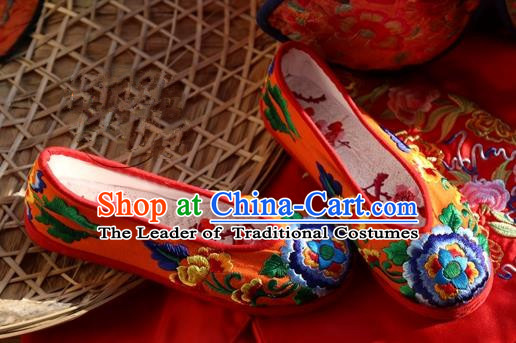 Asian Chinese Traditional Wedding Shoes Red Embroidered Shoes, China Peking Opera Hand Embroidery Peony Shoe Hanfu Shoes for Women