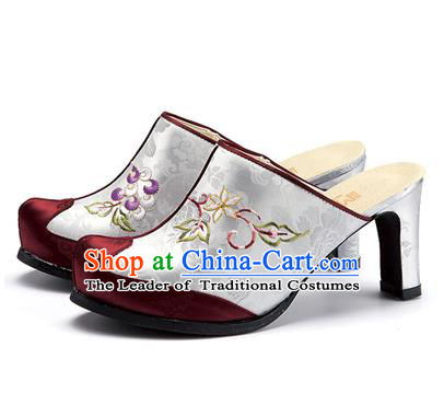 Traditional Korean National Wedding White Embroidered Shoes, Asian Korean Hanbok Bride High-heeled Shoes for Women