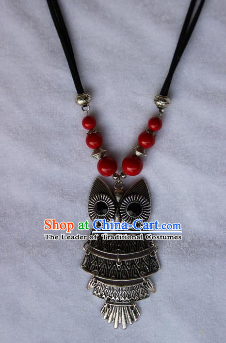 Traditional Chinese Miao Ethnic Minority Necklace, Hmong Handmade Sweater Chain Owl Pendant, Miao Ethnic Jewelry Accessories Collarbone Chain Necklace for Women