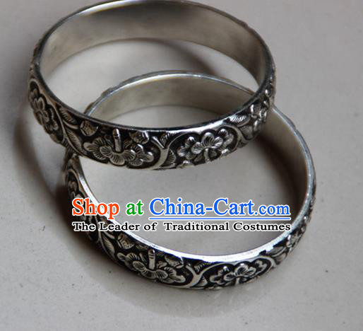 Traditional Chinese Miao Ethnic Minority Miao Silver Flowers Bracelet, Hmong Handmade Bracelet Jewelry Accessories for Women