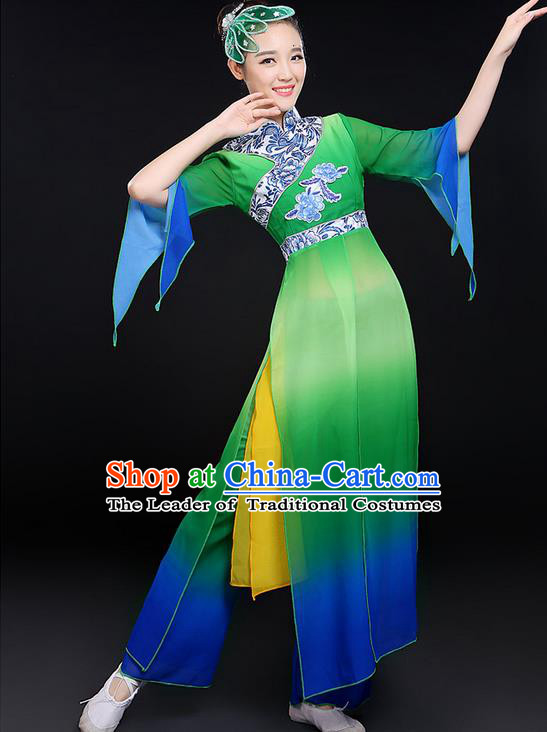Traditional Chinese Yangge Fan Dancing Costume, Folk Dance Yangko Uniforms, Classic Umbrella Dance Elegant Dress Drum Dance Paillette Green Clothing for Women