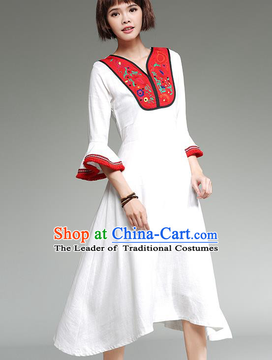 Traditional Ancient Chinese National Costume, Elegant Hanfu Mandarin Qipao Embroidery White Dress, China Tang Suit Mandarin Sleeve Chirpaur Republic of China Cheongsam Upper Outer Garment Elegant Dress Clothing for Women