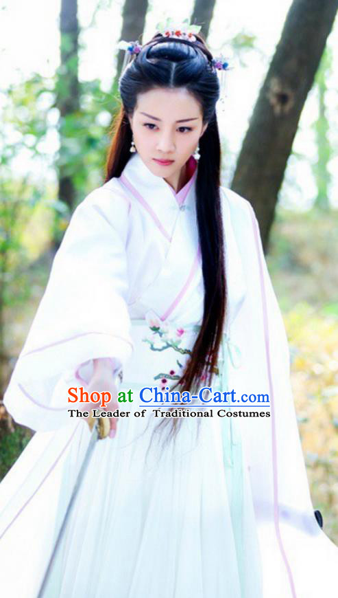 Traditional Chinese Ancient Ming Dynasty Swordswoman Costumes and Handmade Headpiece Complete Set, Legend of Ace Heroine Hanfu Embroidered Clothing for Women