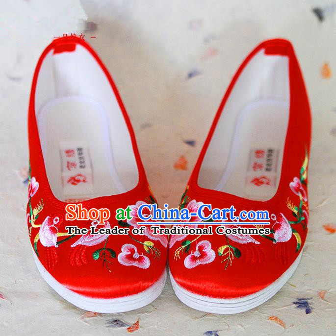 Traditional Chinese Wedding Shoes Xiuhe Red Shoes, Ancient Chinese Bride Embroidered Cloth Shoes for Women