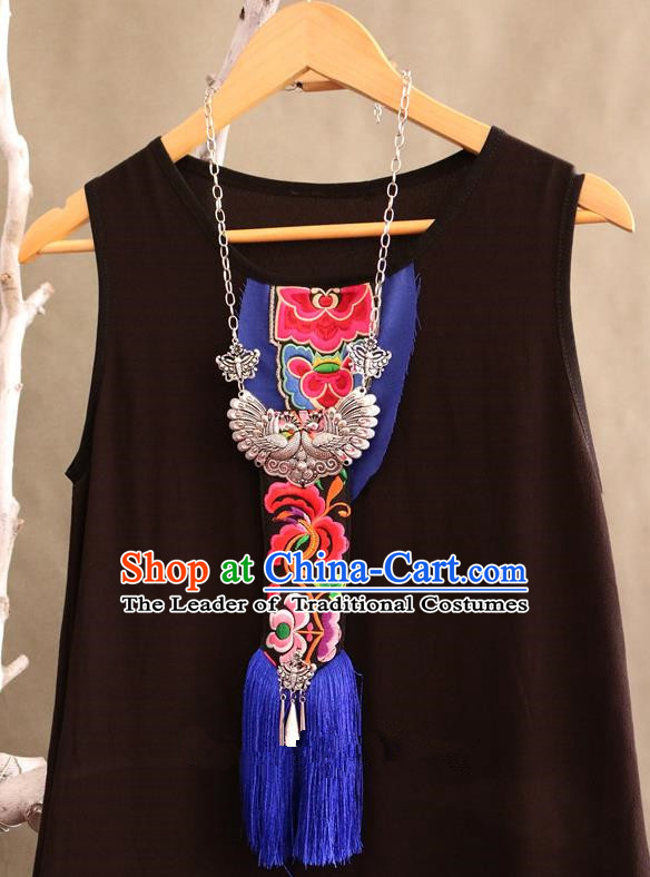 Traditional Handmade Chinese National Miao Nationality Silver Embroidery Tassel Necklace for Women