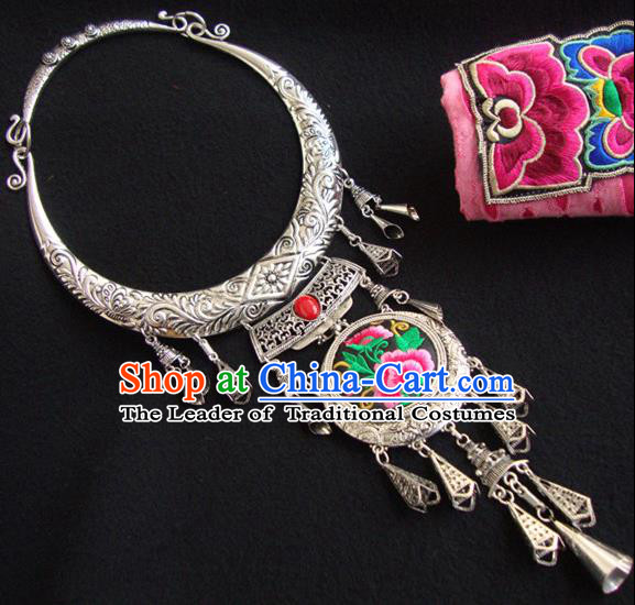 Traditional Handmade Chinese National Miao Nationality Sliver Bells Embroidery Collar Necklace for Women