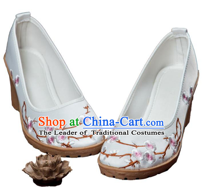 Traditional Chinese Ancient Cloth Shoes, China Princess Satin Shoes Hanfu Handmade Embroidery Plum Blossom White Shoe for Women