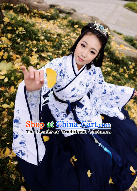 Traditional Chinese Han Dynasty Imperial Princess Blue Curve Bottom Costume, China Ancient Hanfu Dress Palace Lady Hand Painting Clothing for Women
