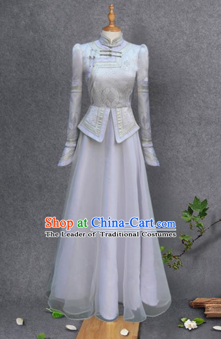 Traditional Chinese Mongol Nationality Costume Bride White Embroidery Mongolian Robe, Chinese Mongolian Minority Nationality Wedding Clothing for Women