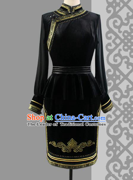 Traditional Chinese Mongol Nationality Dance Costume Wedding Black Velvet Cheongsam, Chinese Mongolian Minority Nationality Bride Mongolian Robe Embroidery Costume for Women