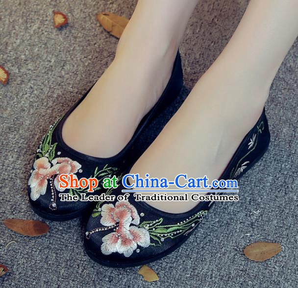 Traditional Chinese National Hanfu Black Satin Embroidered Shoes, China Princess Embroidery Shoes for Women