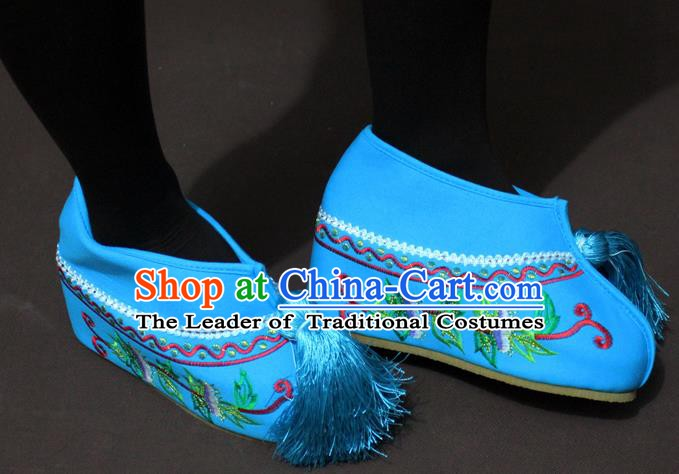 Traditional China Beijing Opera Actress Blue Embroidered Shoes, Chinese Peking Opera Diva Blood Stained Shoes