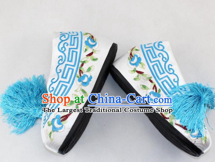 Chinese Traditional Beijing Opera White Blood Stained Shoes Ancient Handmade Princess Embroidered Shoes for Women